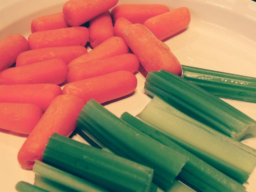 Prueba Este Rico Jugo De Apio Y Zanahoria Para Adelgazar Este jugo de zanahoria y apio resulta una combinación muy exitosa para bajar eficazmente de peso y debido a su alto contenido en nutrientes, es un gran aliado para optimizar el buen. fmdos
