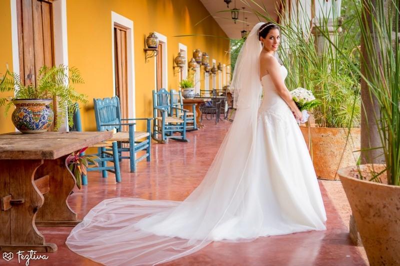 Vestido de novia largo sin cola