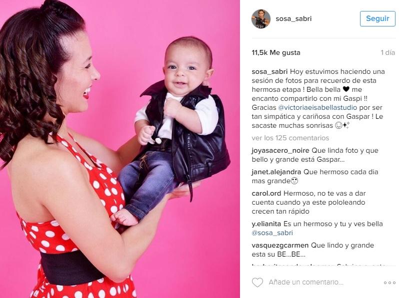 0f53e65a9 La tierna sesión fotográfica de Sabrina Sosa y su pequeño hijo — FMDOS