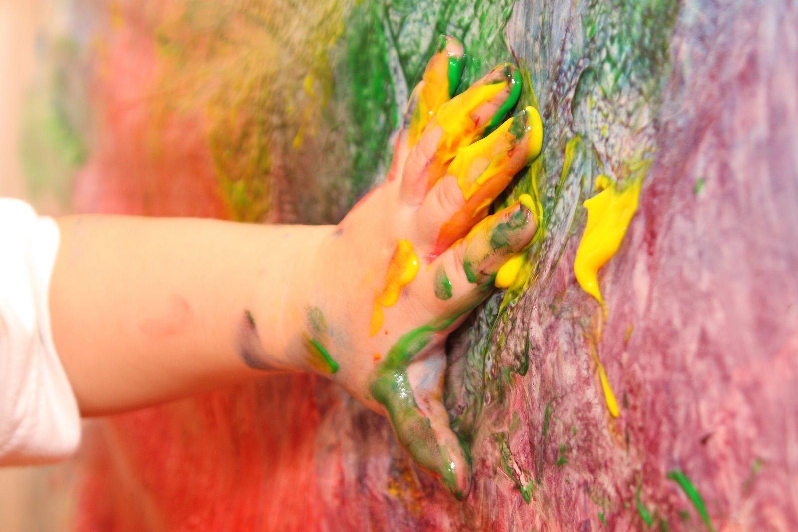 Resultado de imagen para niño rayando paredes