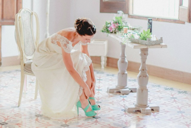 Conoce los zapatos de novia que causan furor en las redes sociales