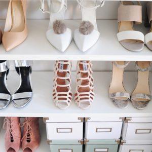 Closet con zapatos