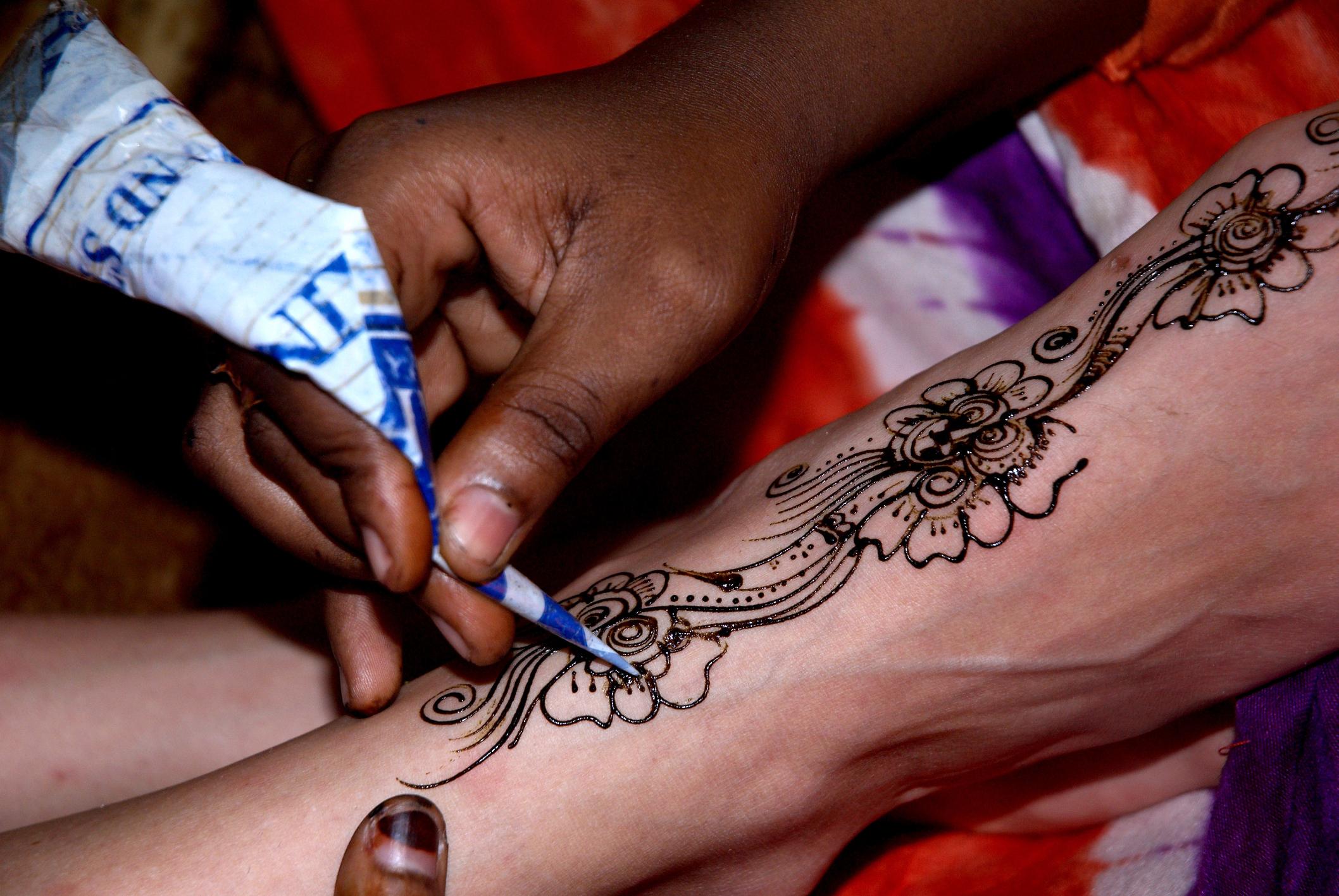 Henna Tattoo Vs Real Tattoo: Estudio Revela Los Riesgos A La Salud Que Pueden Provocar