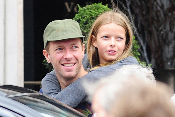 **USA ONLY** *EXCLUSIVE* London, UK - Coldplay frontman Chris Martin had an amazing Father's Day on Sunday when he got to spend the afternoon with his two kids, Apple and Moses. The happy trio dined out at Wosley Restaurant on Piccadilly and then went for a walk afterwards, with Chris giving Apple a piggyback ride as they went. AKM-GSI       June 21, 2015   **USA ONLY** To License These Photos, Please Contact : Steve Ginsburg (310) 505-8447 (323) 423-9397 steve@akmgsi.com sales@akmgsi.com or Maria Buda (917) 242-1505 mbuda@akmgsi.com ginsburgspalyinc@gmail.com