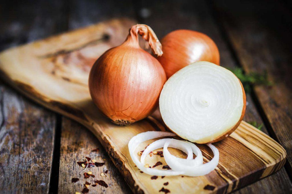 7 buenas razones por las que deberías comer la cebolla cruda