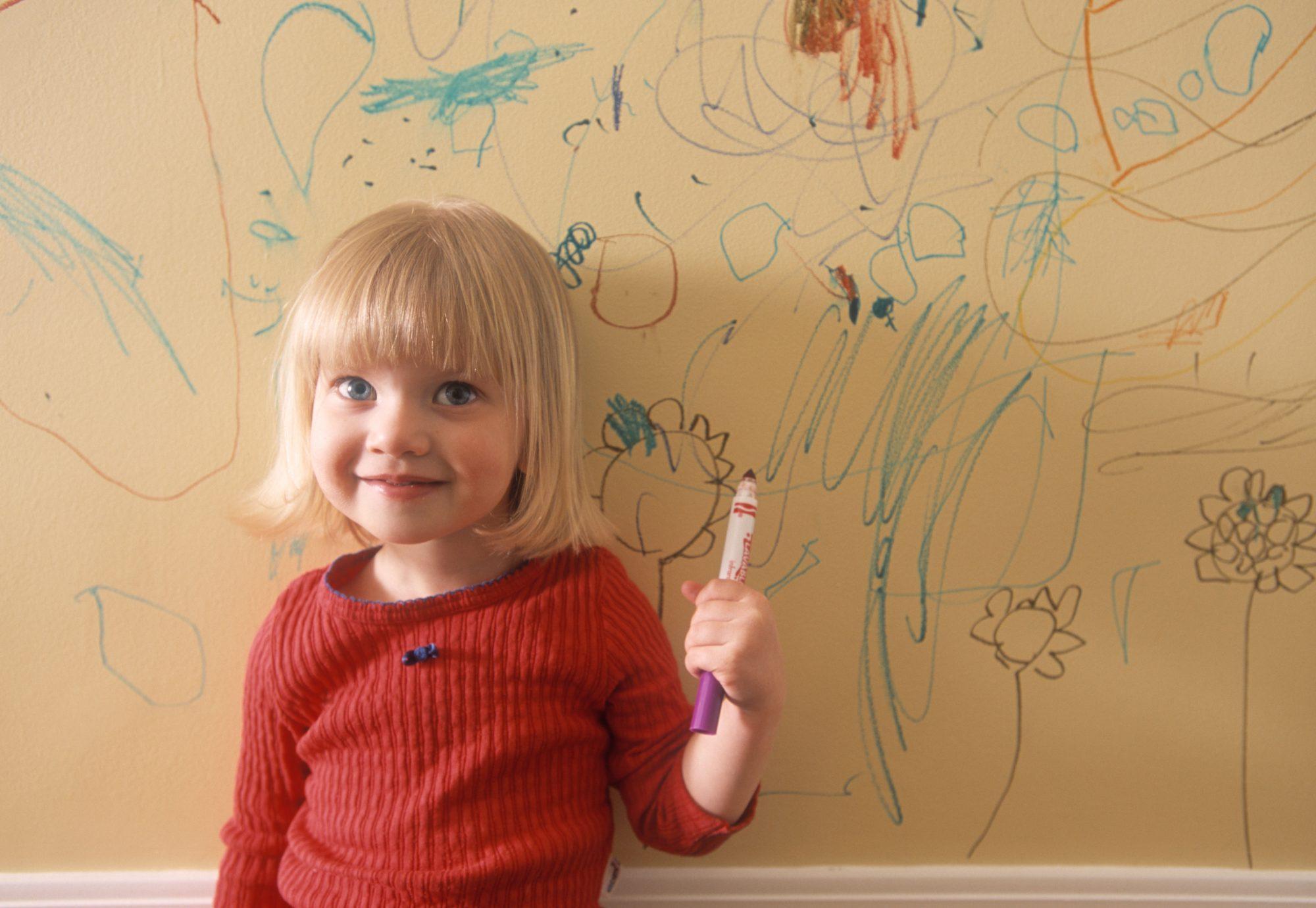 Por qué los niños rayan las paredes? — FMDOS