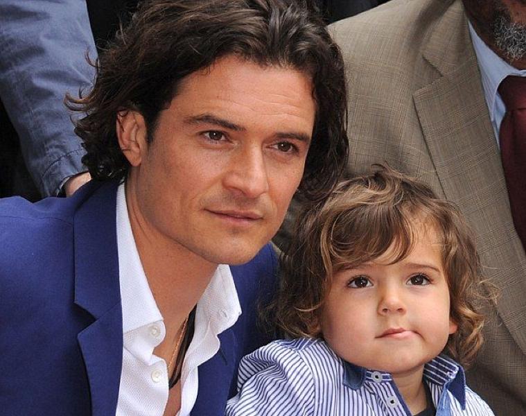 Orlando Bloom y su hijo Flynn