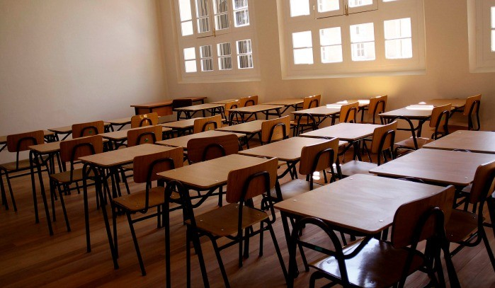 suspensión de clases todo abril