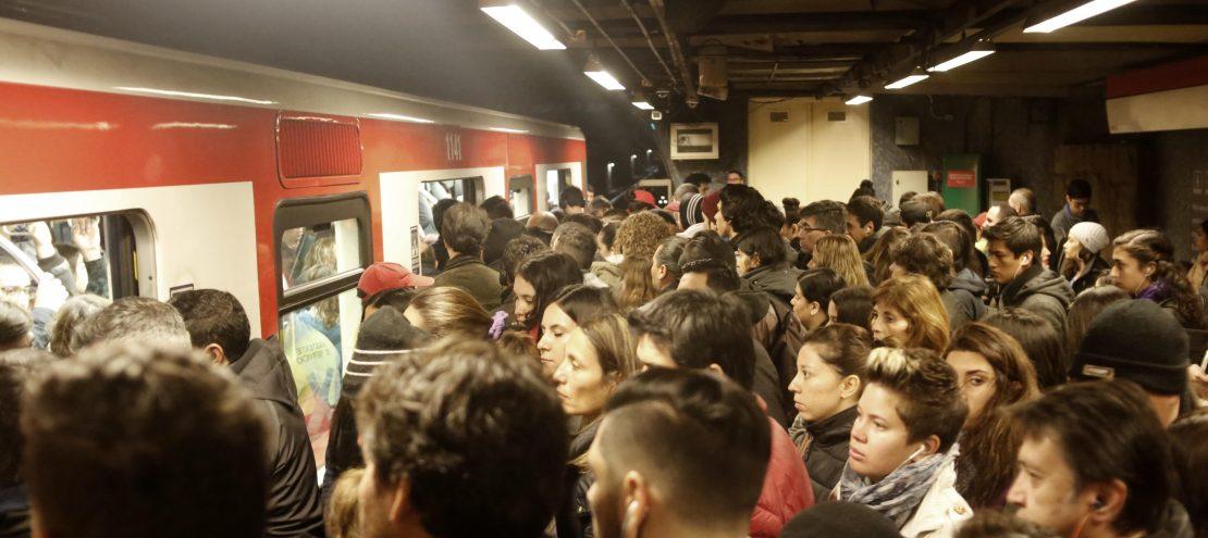 Sexo en el metro de barcelona - 1 3