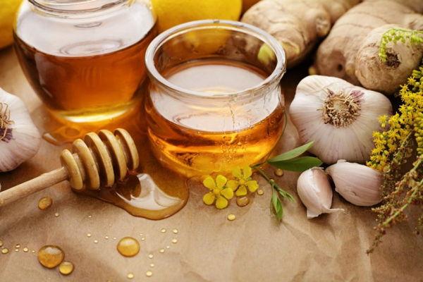 Conoce los beneficios de consumir ajo y miel en ayuna