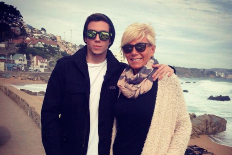 Kel Calderón defendió a su madre tras insultos de su hermano