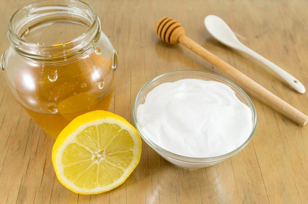 Renueva tu piel con esta mascarilla de bicarbonato de sodio y miel