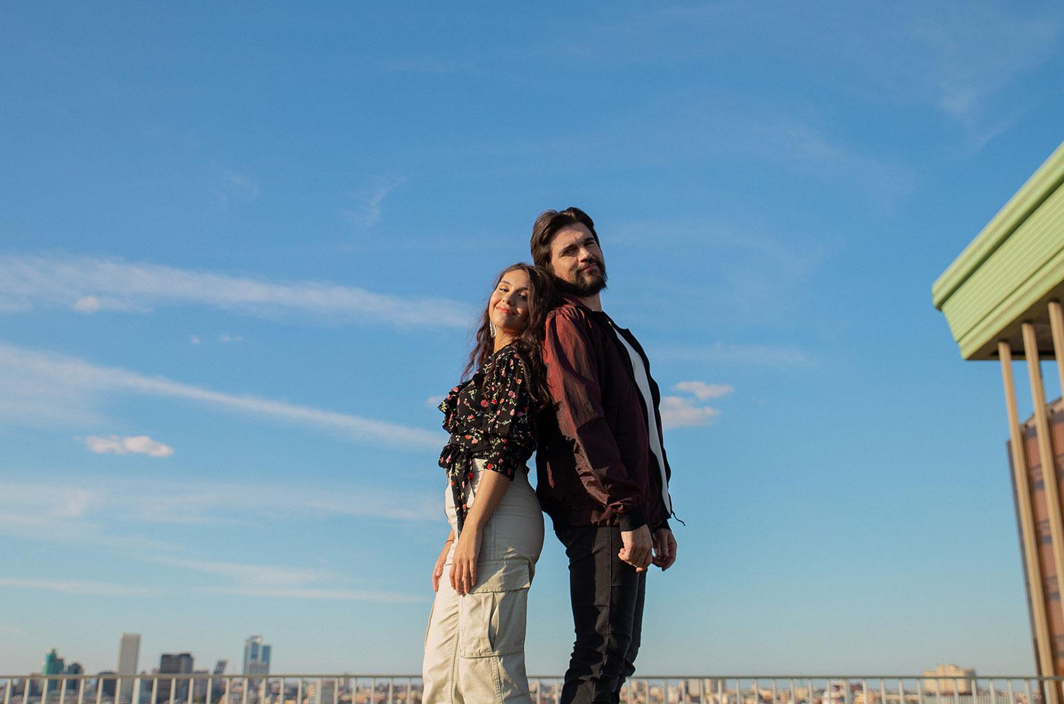 Juanes lanza nuevo video junto a Alessia Cara — Exclusivo