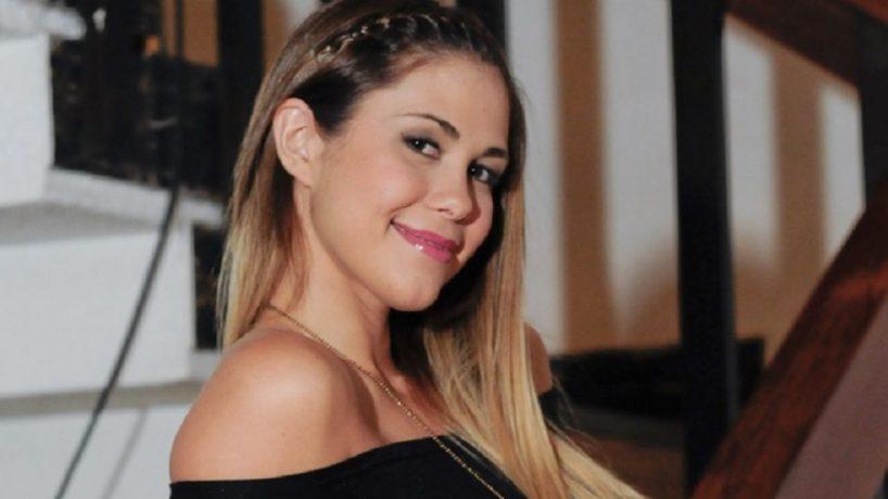 Laura Prieto Posa Desnuda En Blanco Negro Y Habla De Resistiré