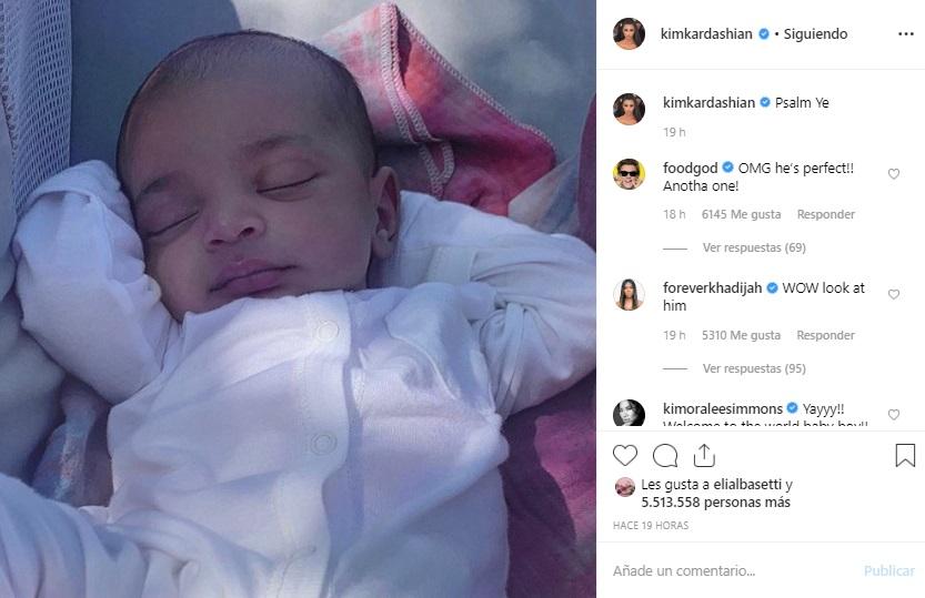 Presenta Kim Kardashian a Psalm en Instagram
