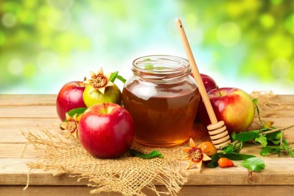 Renueva tu cutis con esta mascarilla de miel y vinagre de manzana