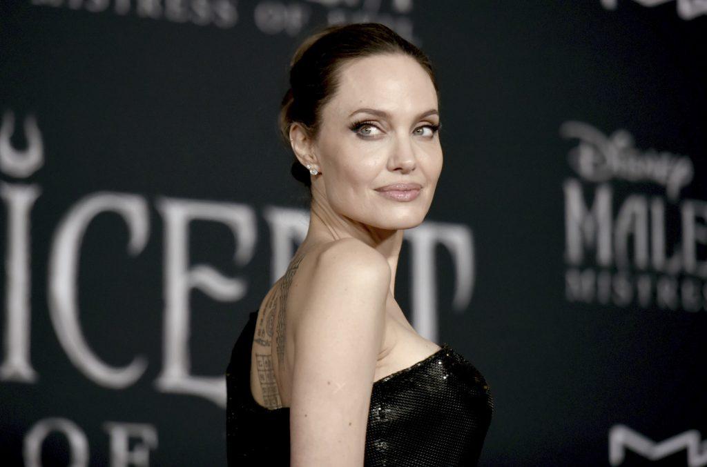 Angelina Jolie Se Luce Junto A Sus Hijos Para El Estreno De