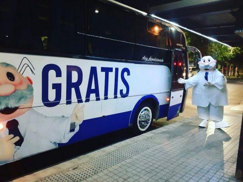 Dr. Simi ofrece buses para transportar a santiaguinos