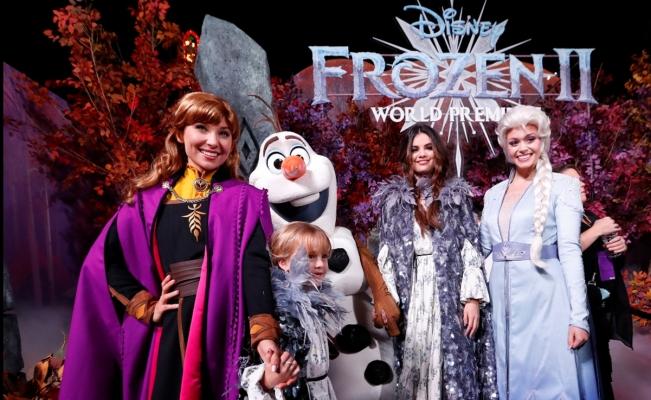 Selena Gomez y su hermana impactan con vestuario de 'Frozen'