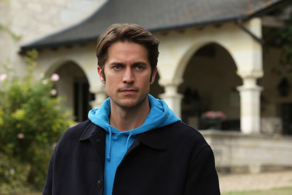 Gabriel – Lucas Bravo