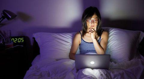 evita las pantallas para un buen dormir