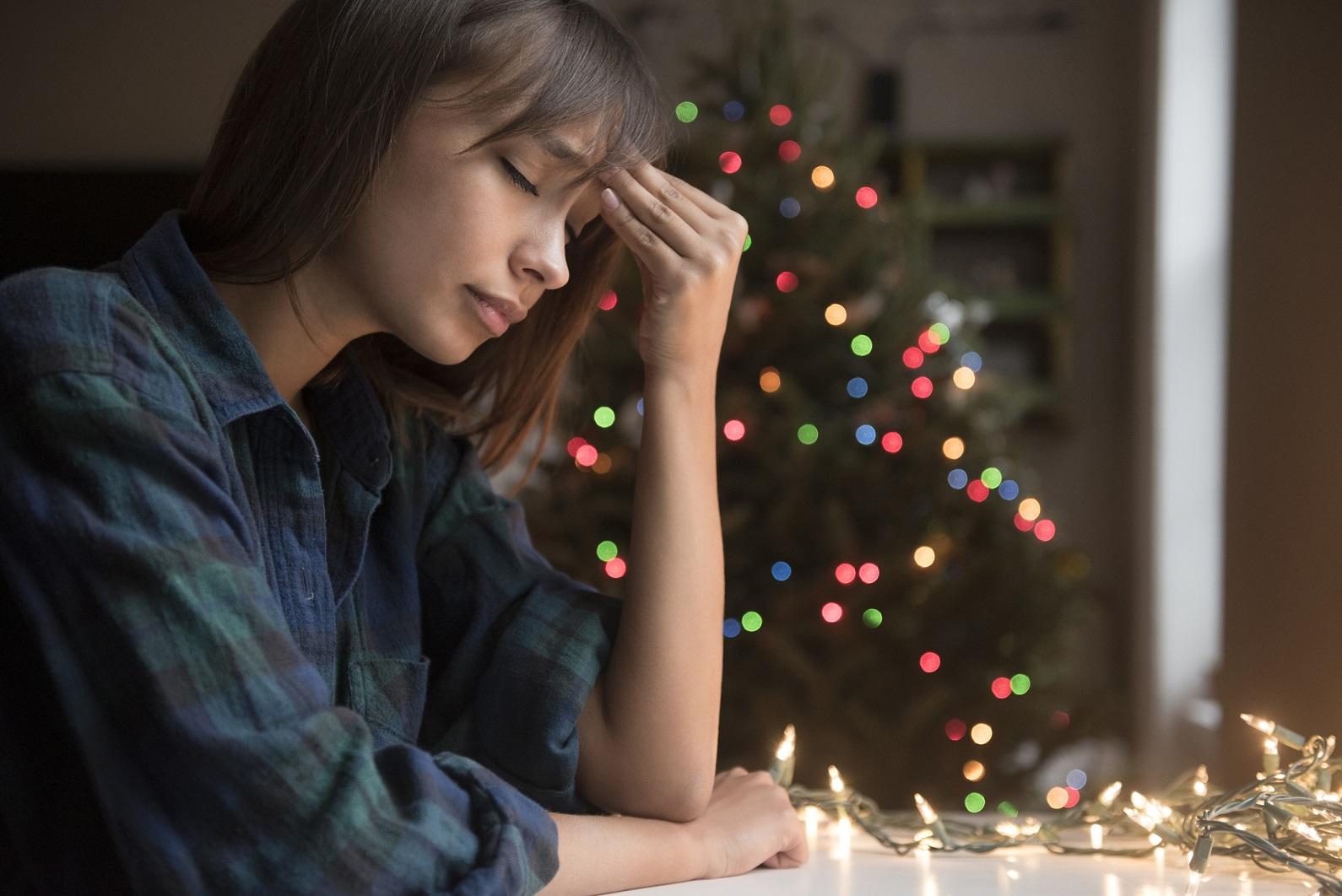persona con problemas de ansiedad por navidad