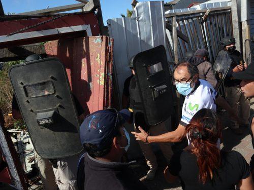 LEBU : Manifestaciones En El Cuartel  Donde Se Encuentra Detenido Homicida De Tomas Bravo