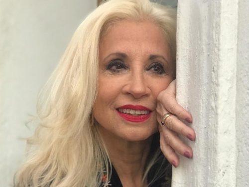 Loreto Valenzuela Deuda