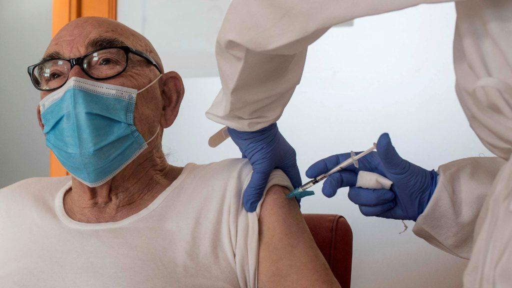 Persona Vacunandose