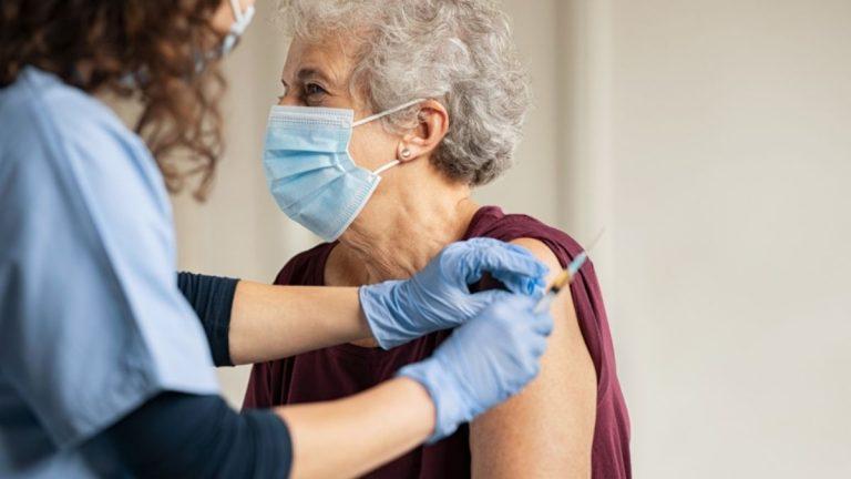 Anciana Denuncia Maltrato De Su Hija En Plena Vacunación Covid