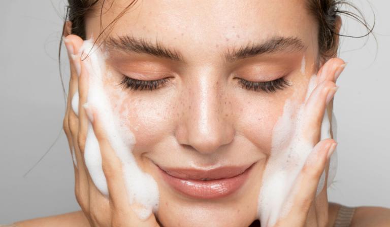 Toallitas desmaquillantes reutilizables: ¡Ideales para el medio ambiente y tú piel!
