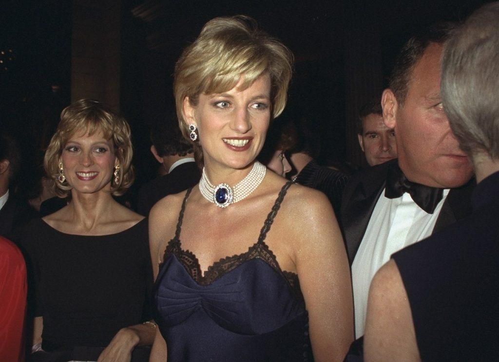 Diana y su rutina de belleza y rubor