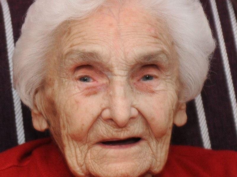 Mujer 105 Años