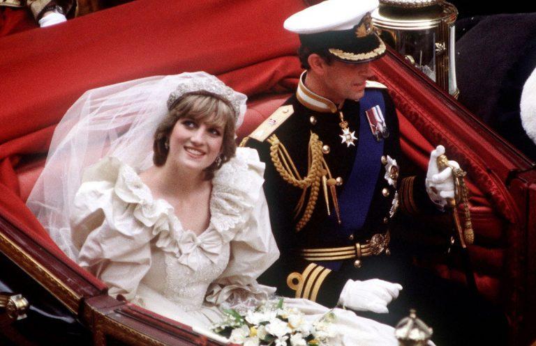 príncipes william y harry acceden a exponer el vestido de su madre