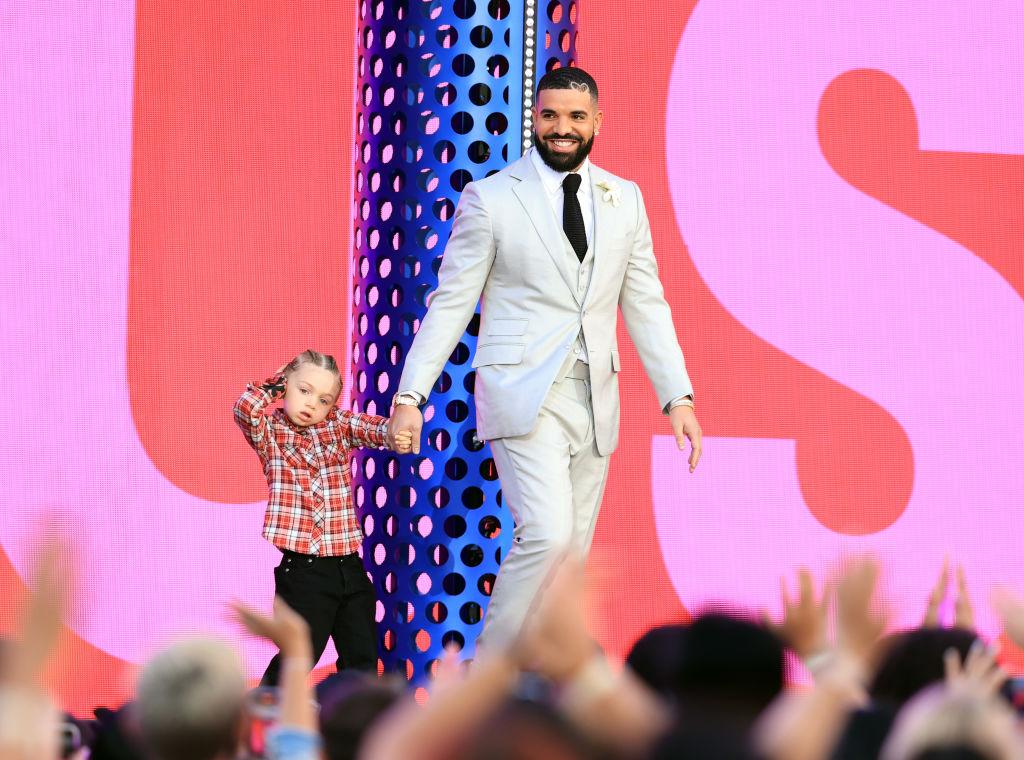 Uno de los momentos de los premios fue Drake y su hijo