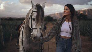 Kendall Jenner Es Duramente Criticada Por El Lanzamiento De Su Tequila 818