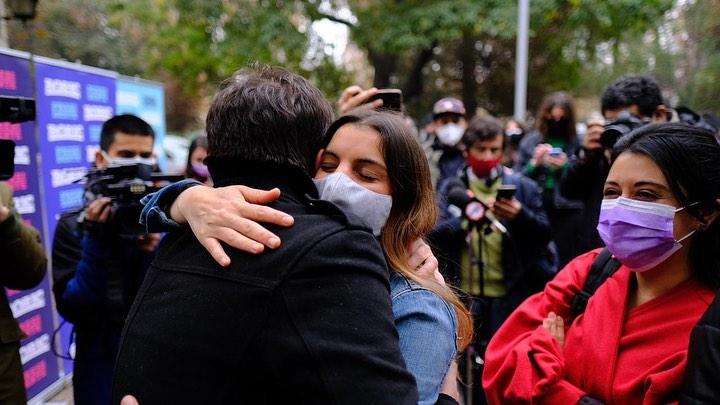 """Creí que soy hueona"": Maite Orsini le paró los carros a Iván Guerrero de ""CQC"""