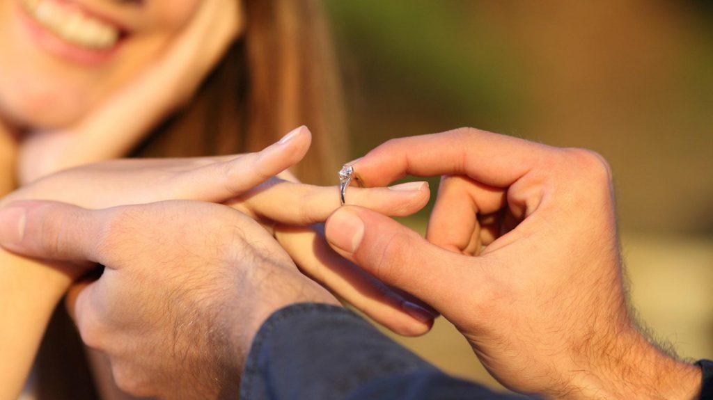 Novio Pide Matrimonio