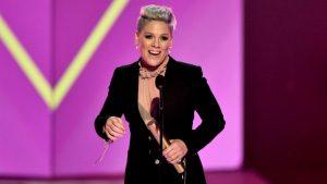 Pink Es Homenajeada Con El Premio Ícono En Los Billboard Music Awards