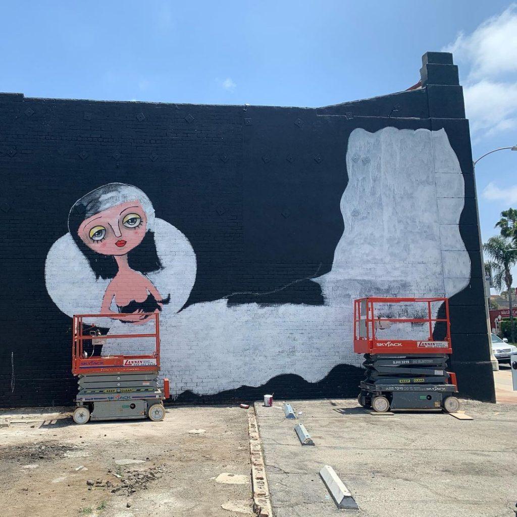 Proceso del mural de Mon Laferte