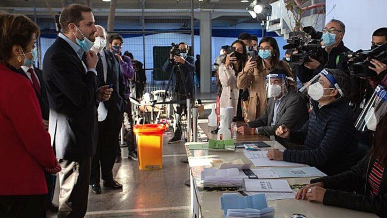 Gobierno Visita Local De Votacion Y Entrega Recomendaciones Para El Voto Seguro