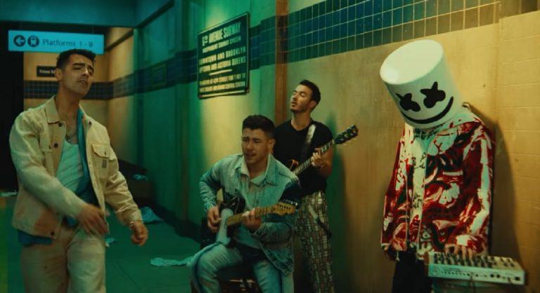 Jonas Brothers Y Marshmello
