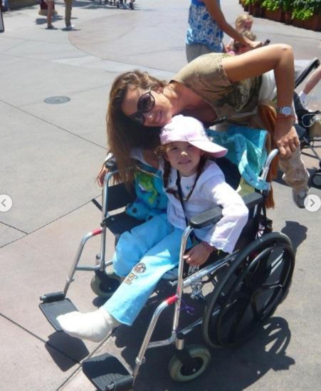 Laura Y Angelica Castro
