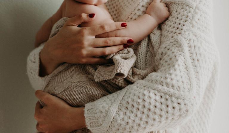 Día de la salud mental materna: Cinco recomendaciones para cuidarla