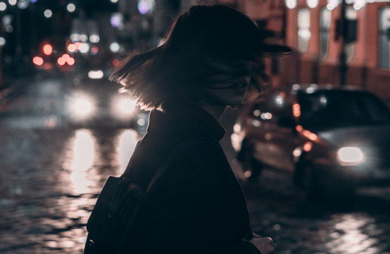 Nuevo Dispositivo Para Ayudar A Las Mujeres A Sentirse Seguras En Las Calles