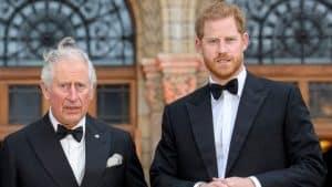 ¿Mala Relación Entre El Príncipe Carlos Y Harry? Esto Apunta A Que Sí