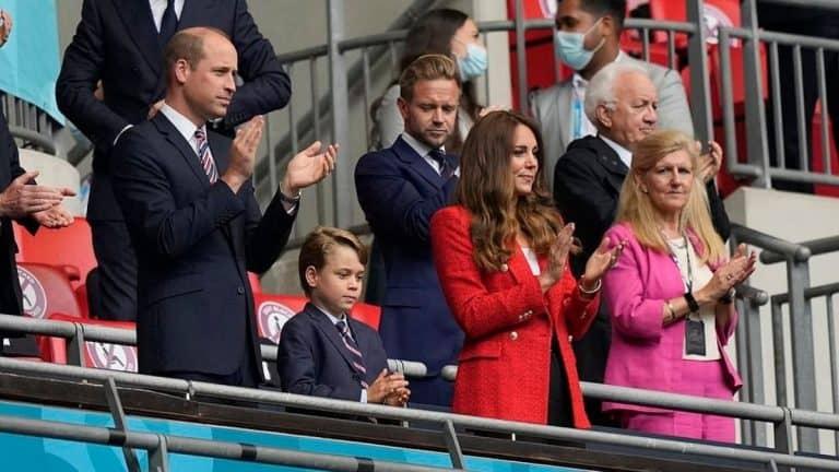 El Blazer De Kate Middleton Que Todas Pueden Tener En Su Clóset