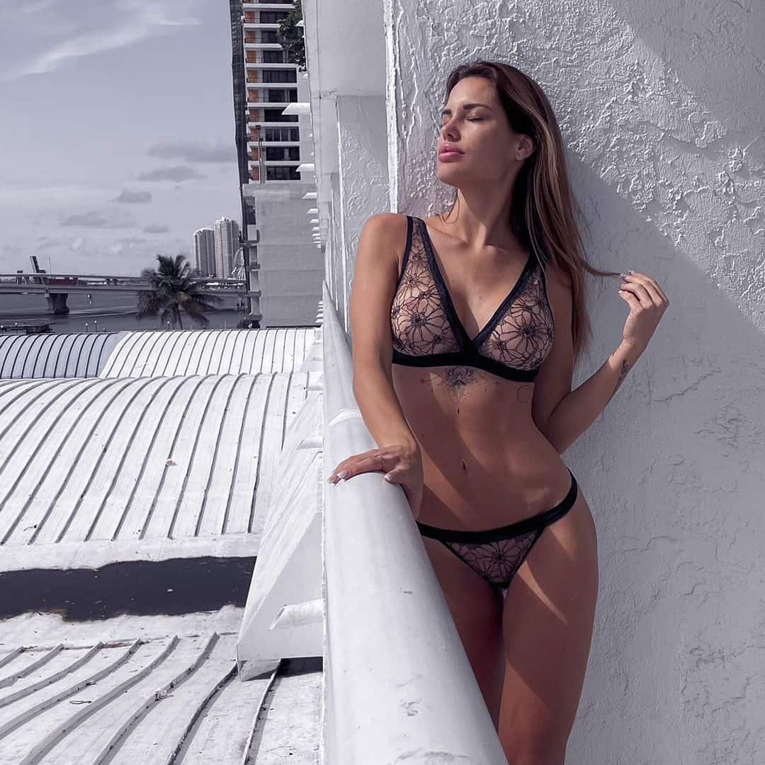 Gala Caldirola En Bikini