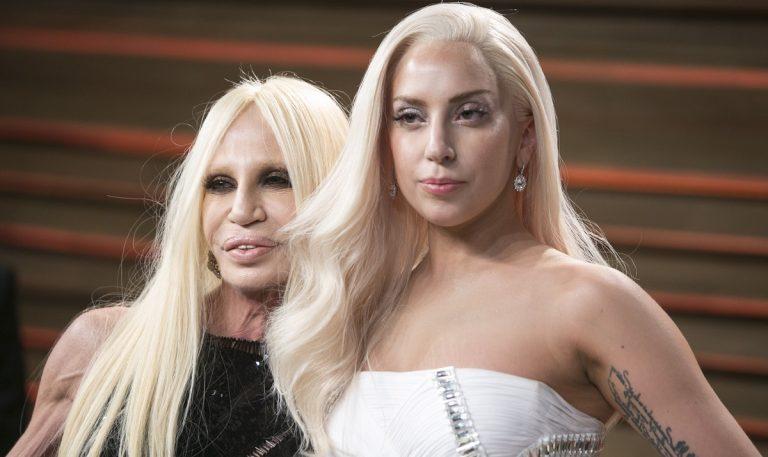 Lady Gaga se une a Versace
