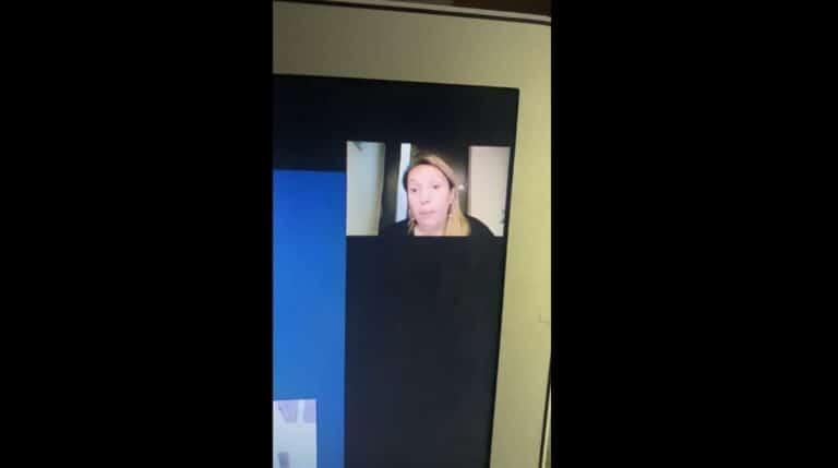 Mujer Maltrató A Su Hijo